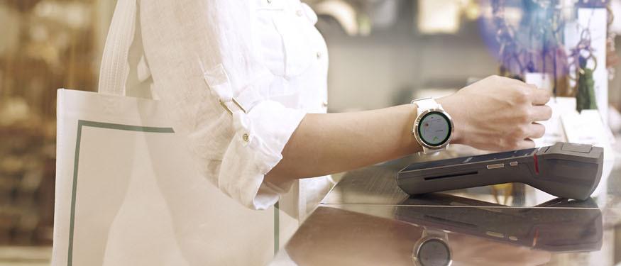 Betaal met uw Fitbit- of Garmin-horloge