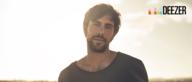 """Bonusmaterial: Max Giesinger spielt """"Use somebody"""""""