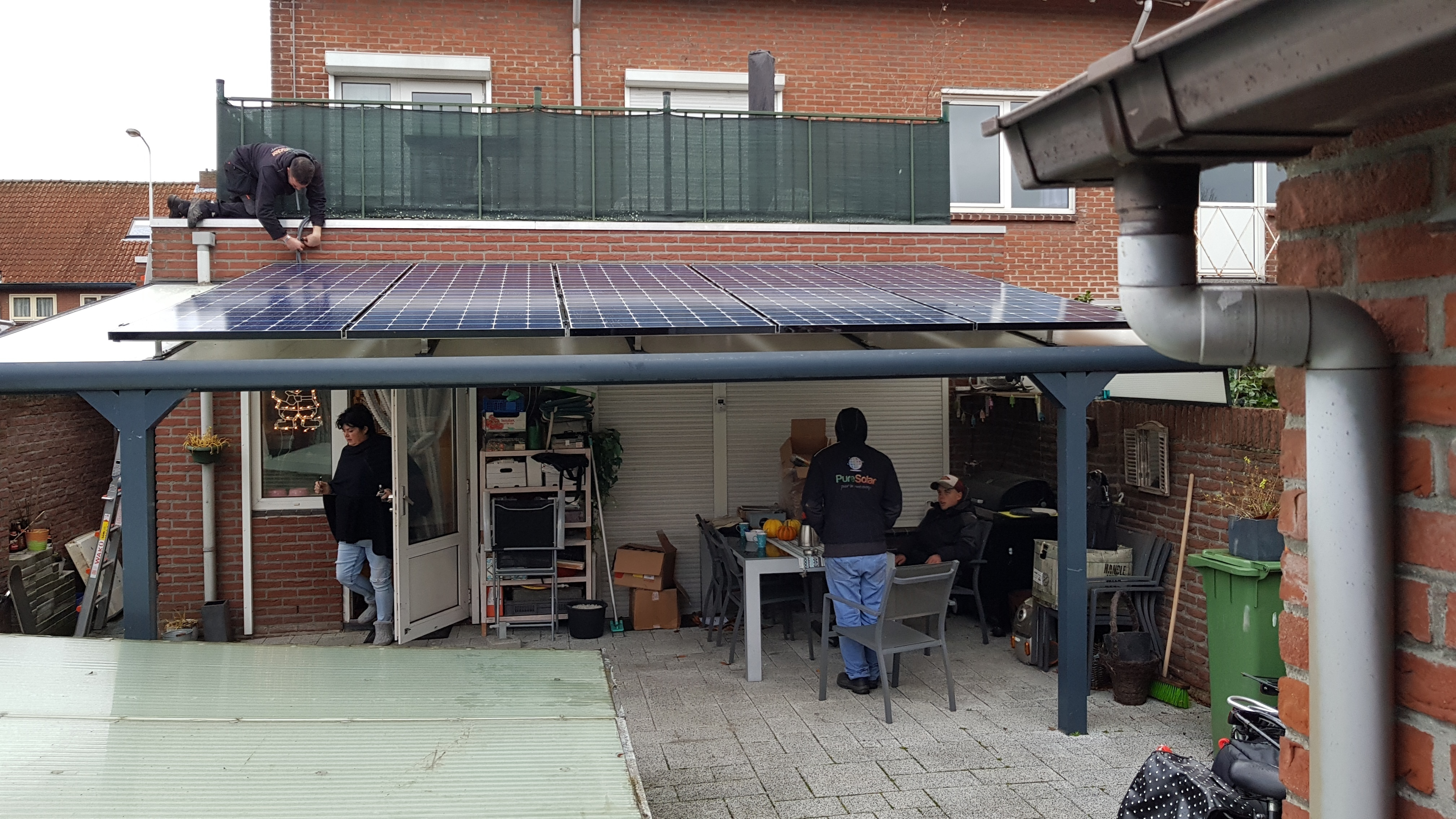 De zon schijnt weer :-) Upload een foto van jouw zonnepanelen!