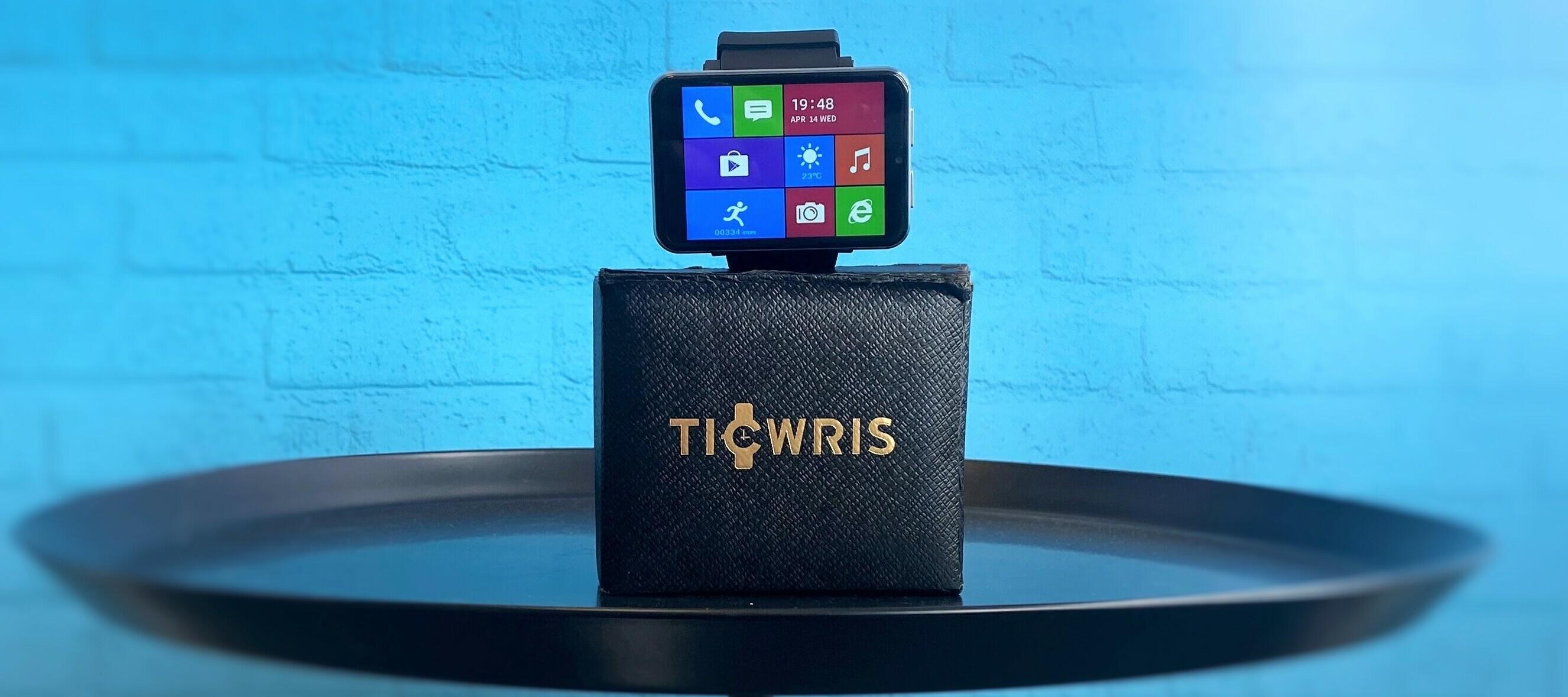 Ticwris Max 4G Testgerät - die größte Smartwatch an deinem Handgelenk.