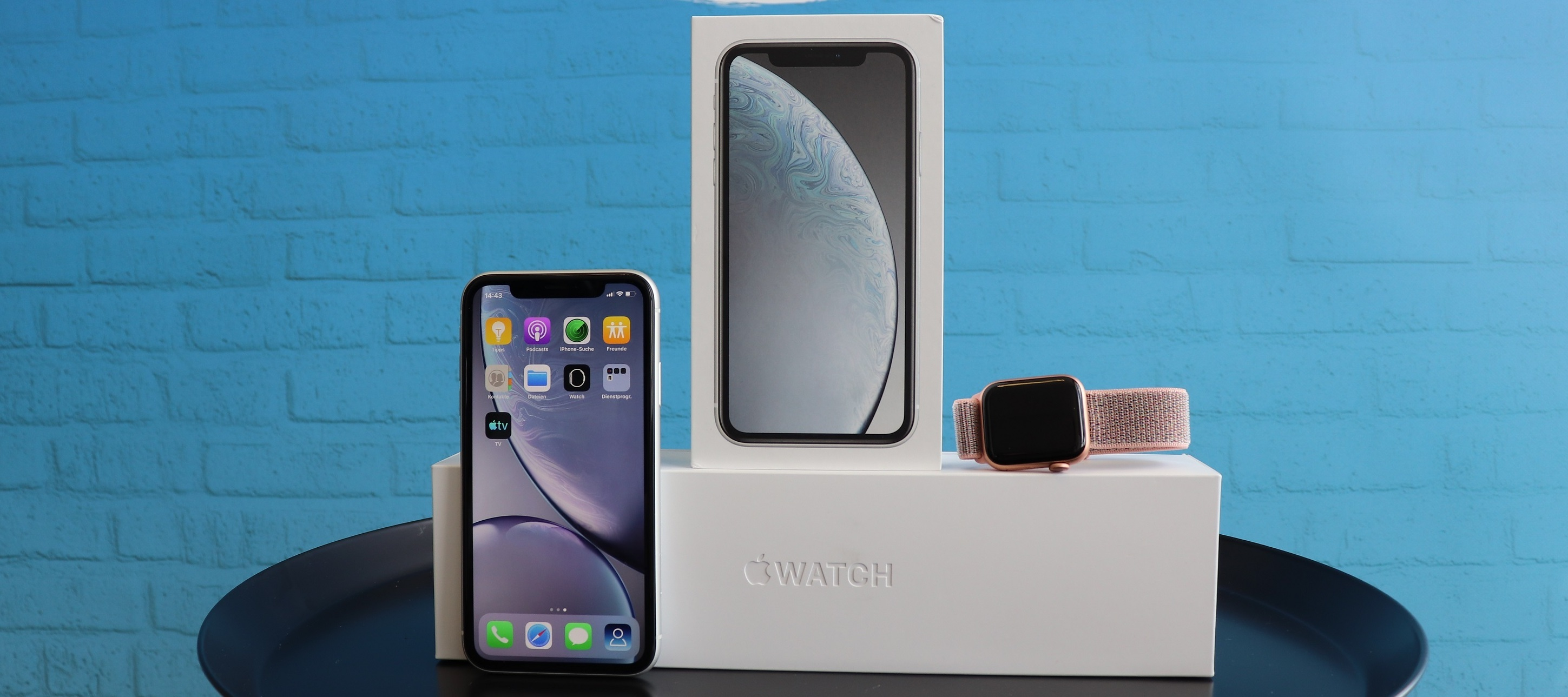 Apple Bundle: iPhone XR + Apple Watch Series 4 - Let's get ready to bundle!