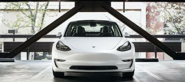 Tesla model 3 performance - EV review